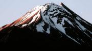 Где находится гора Эверест, опасности и рекорды